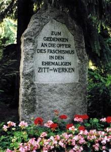 Gedenkstein an die Opfer in den ehemaligen Zitt-Werken